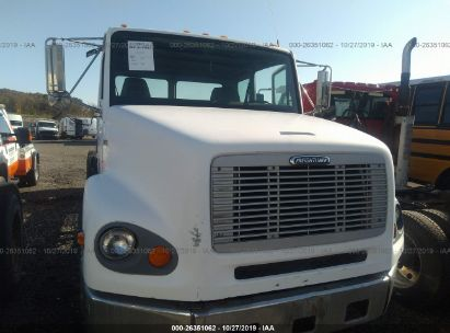 1998 FREIGHTLINER MEDIUM CONVENTION