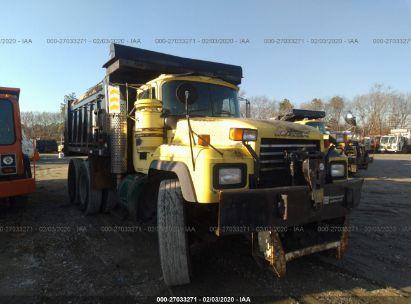 2000 MACK 600 RD600