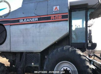 1994 GLEANER R62 COMBINE AND HEADER
