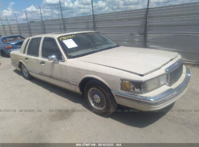 1990 LINCOLN TOWN CAR SIGNATURE