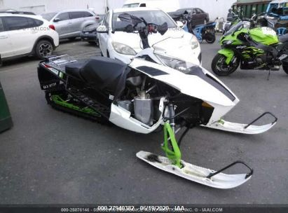 2015 ARCTIC CAT SNOWMOBILE
