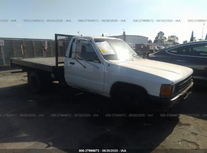1987 TOYOTA PICKUP CAB CHASSIS RN55