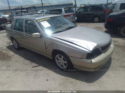 1999 VOLVO S70 GLT