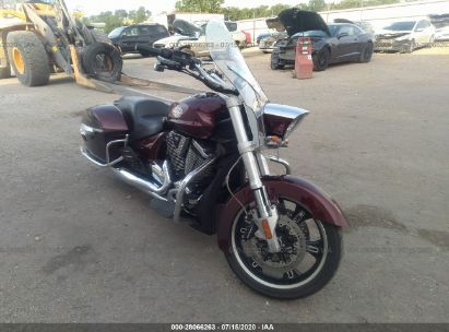 2010 VICTORY MOTORCYCLES CROSS ROADS